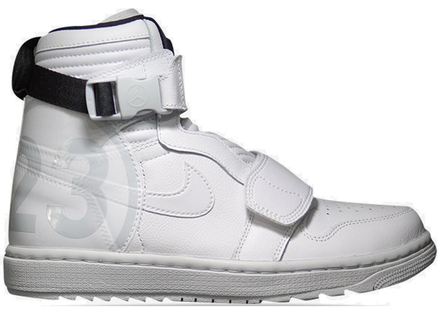 official photos 5f0e0 4c275 Jordan 1 Moto White