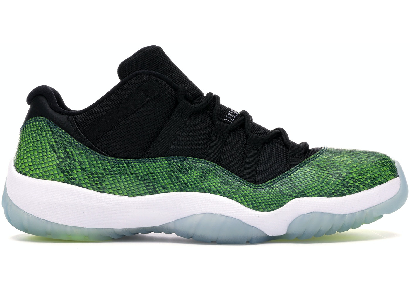 official photos 344d6 7271f Jordan 11 Retro Low Green Snakeskin