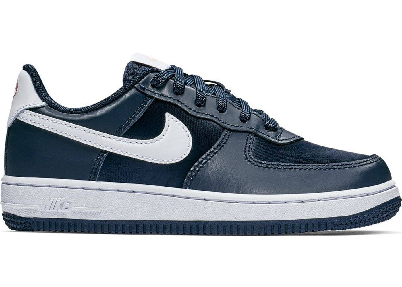 8840bf7f00f20 Sell. or Ask. Size --. View All Bids. Air Force 1 Low Valentines Day ...