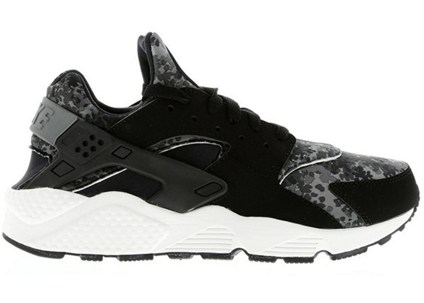 sports shoes 49faf 59a7c Sell. or Ask. Size --. View All Bids. Air Huarache Black Snow Camo