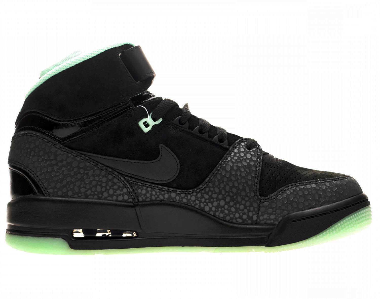 Nike Air Revolution Loverution Pack