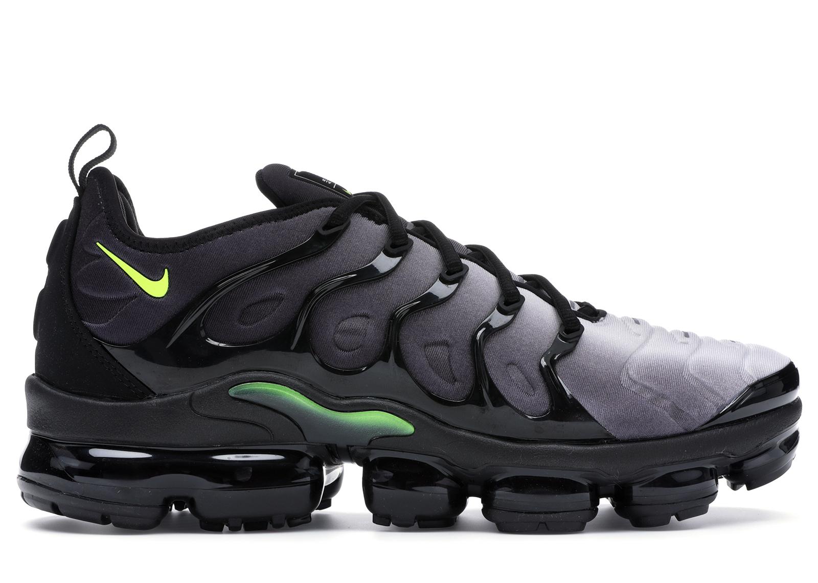 footlocker black vapormax