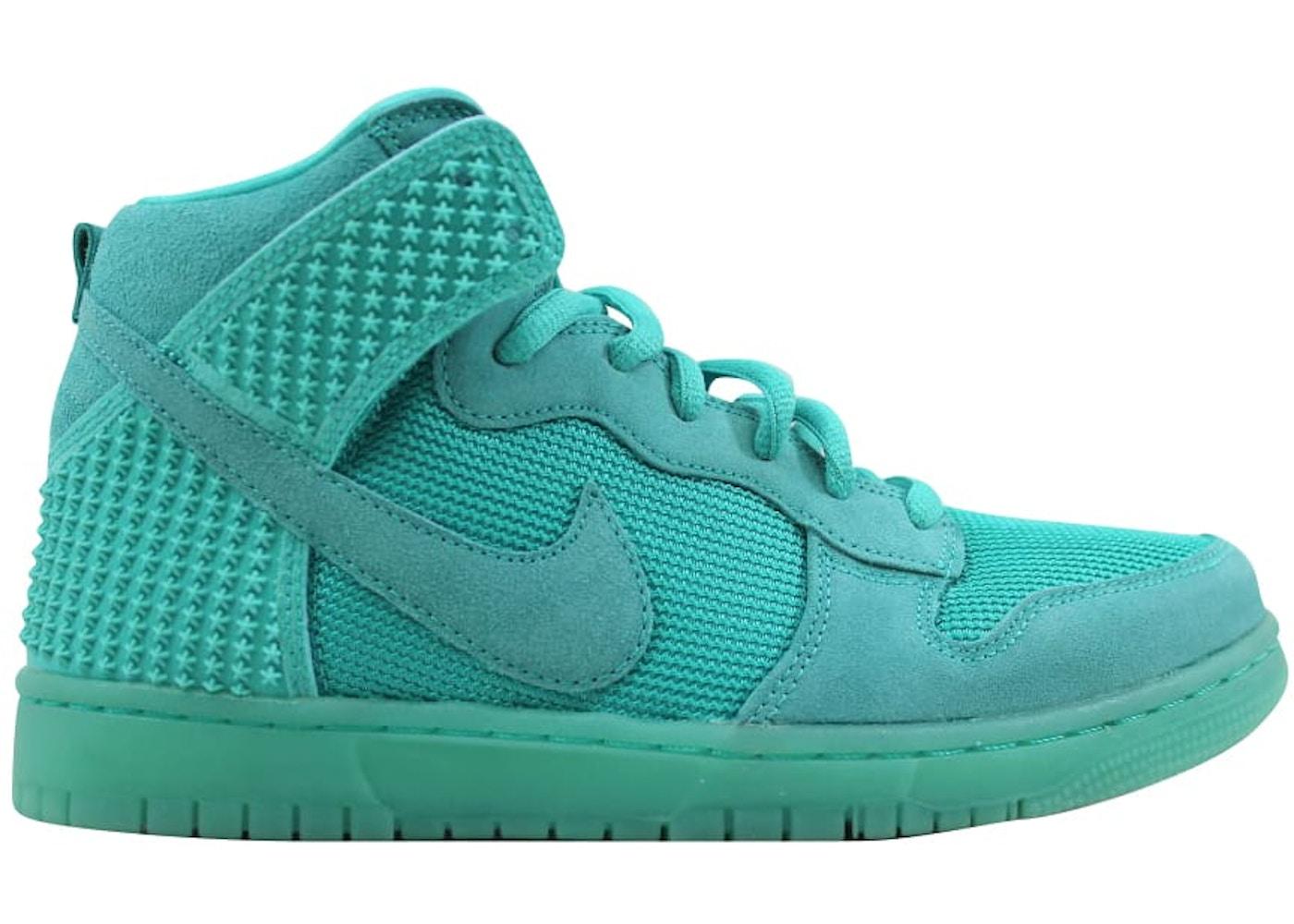 reputable site cdd41 22834 Nike Dunk CMFT Premium Light Retro