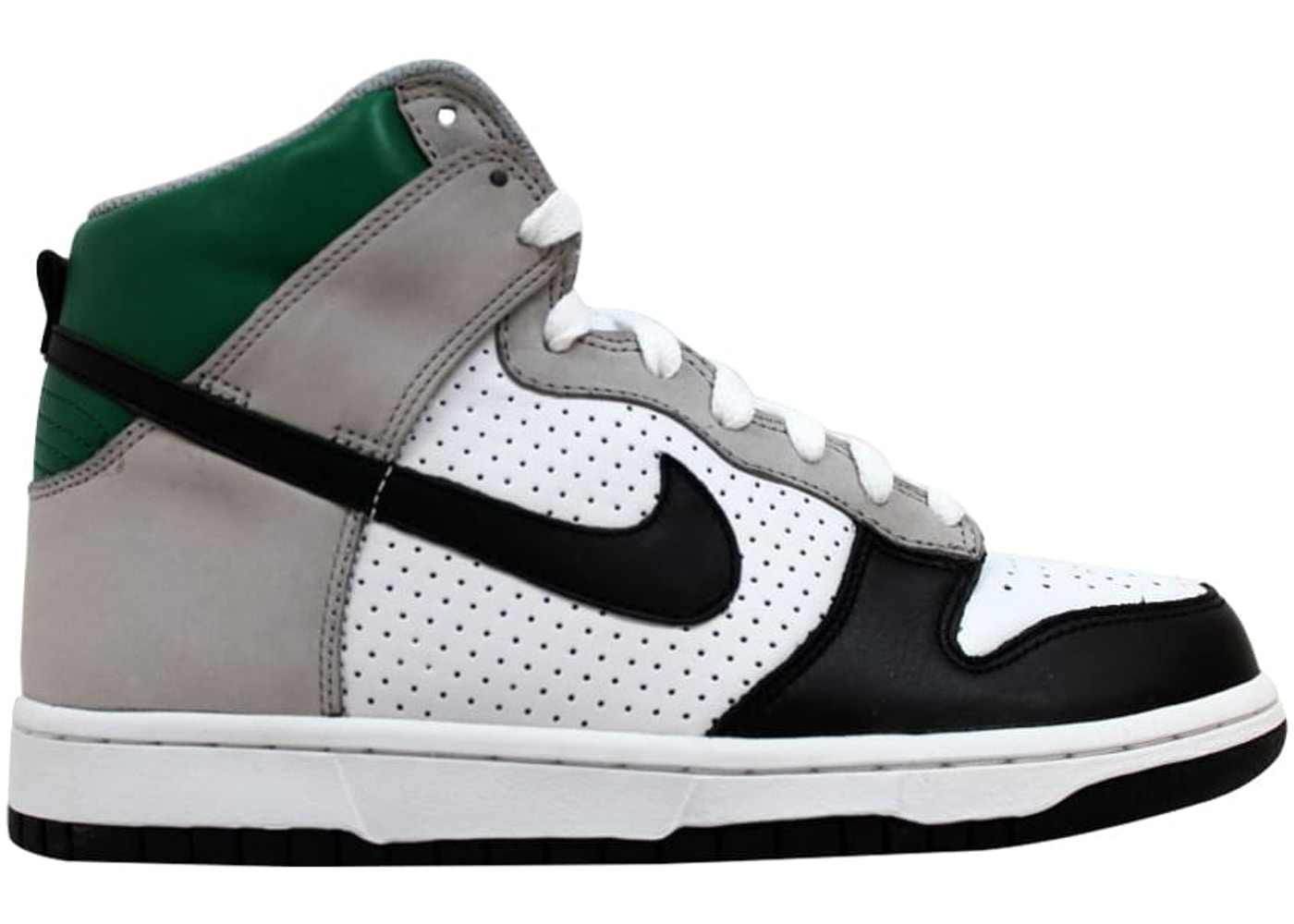 finest selection f93f5 7ca89 Buy Nike Basketball Dunk Shoes & Deadstock Sneakers