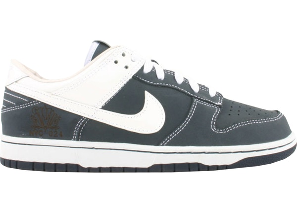 wholesale dealer 43b0a a9200 Nike Dunk Low Yankees (Sole Collector)