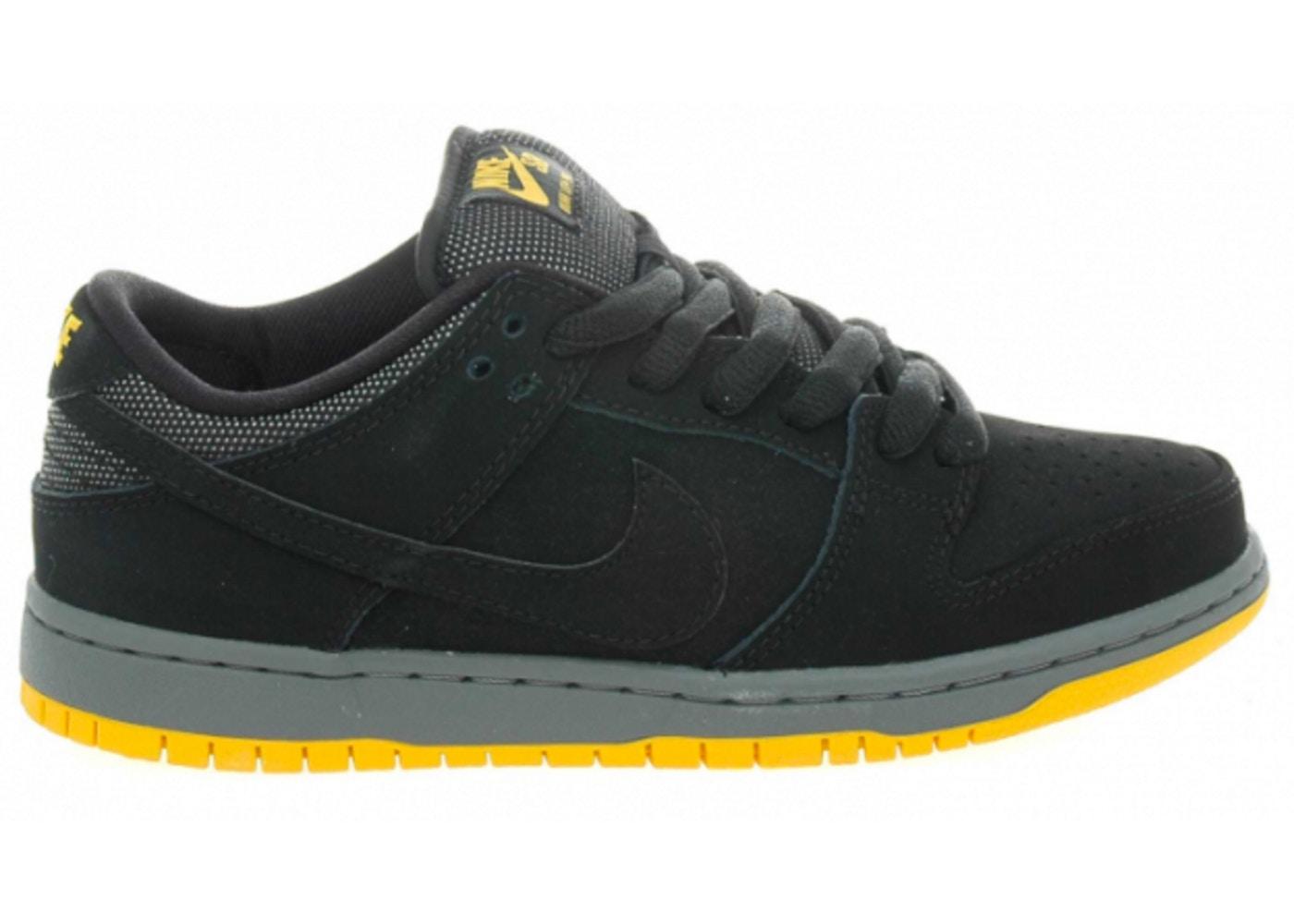detailed look a4982 e9b5c Nike Dunk SB Low Black University Gold - 304292-046