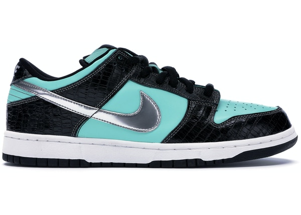 low priced adcc2 b7143 Nike Dunk SB Low Diamond Supply Co.