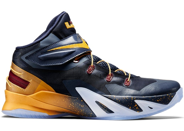 c50f6829bb80 LeBron Zoom Soldier 8 Flyease Cavs - 805894-476