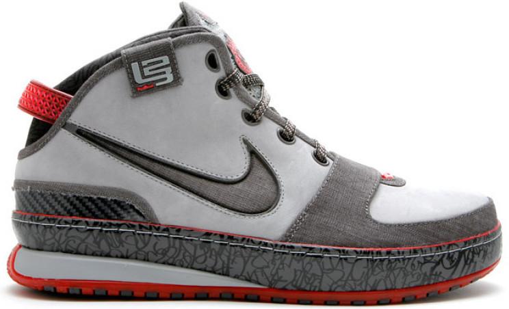 Nike LeBron 6 Los Angeles Sneakers (Metallic Silver/Midnight Fog-Soft Grey-Spr)