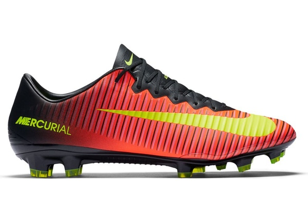 the latest e5725 1cdb8 Nike Mercurial Vapor XI FG Total Crimson Black Volt