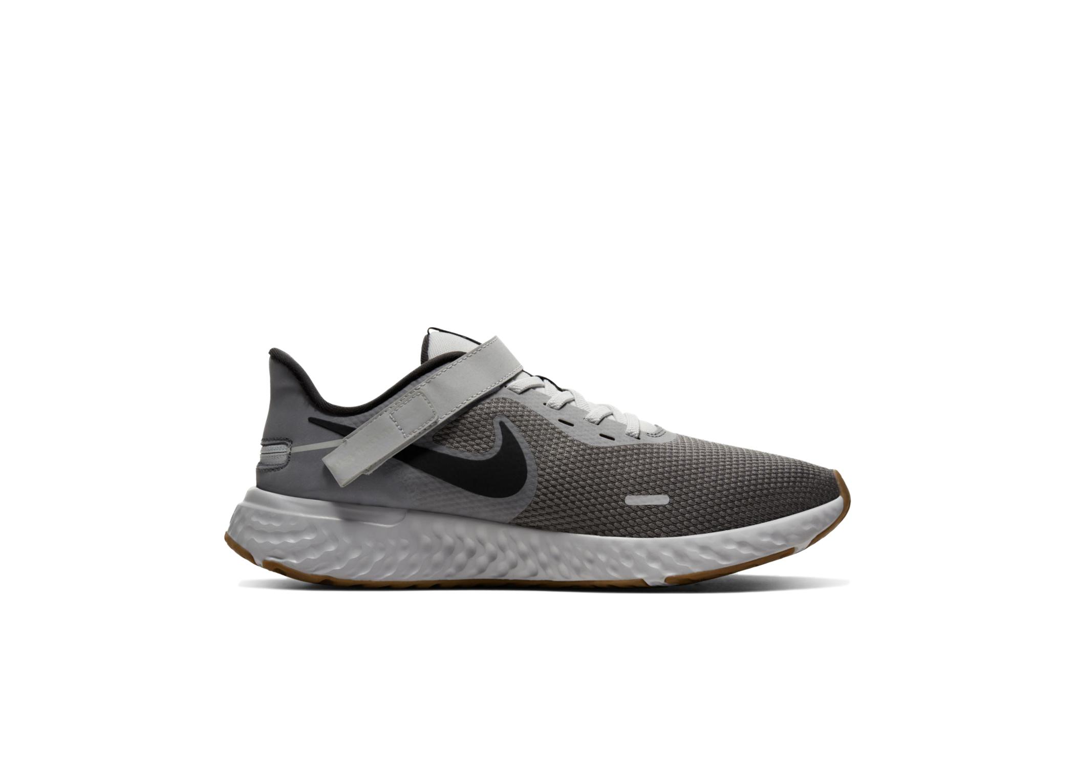 Nike Revolution 5 FlyEase Smoke Grey