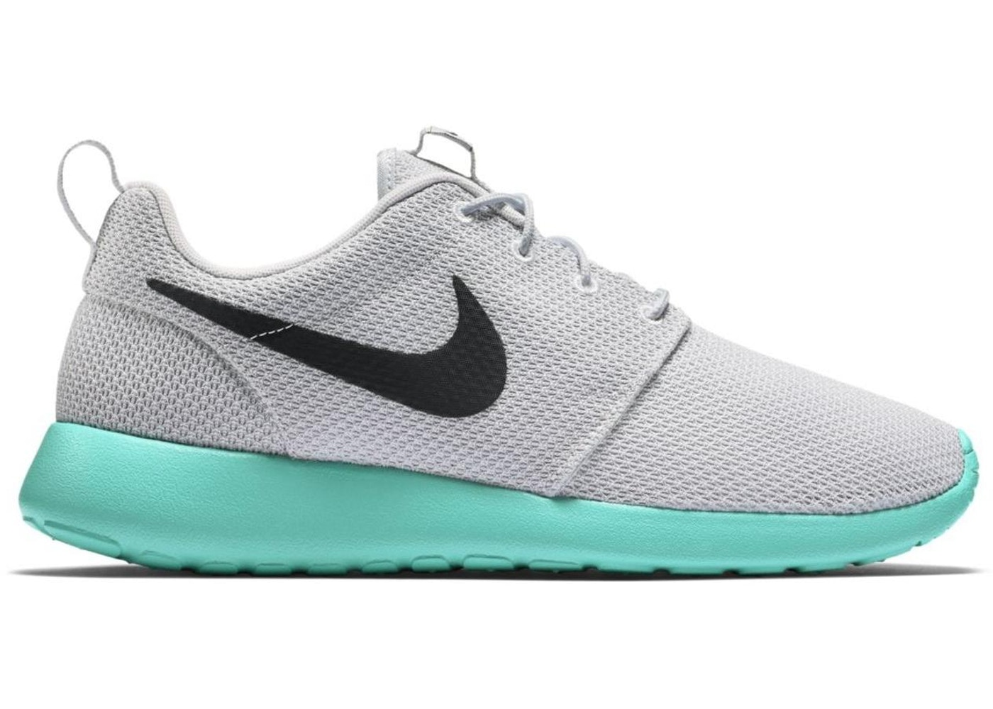 e8cd34f7aab58 Sell. or Ask. Size  12. View All Bids. Nike Roshe Run Calypso