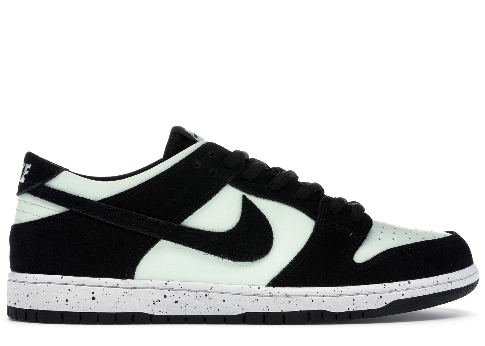 eed04f59672a3 ... low price nike sb dunk low barely green 854866 003 5d156 1f8d9