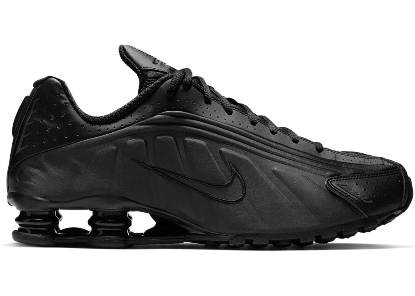 innovative design 657e0 7ab92 Nike Shox R4 Triple Black