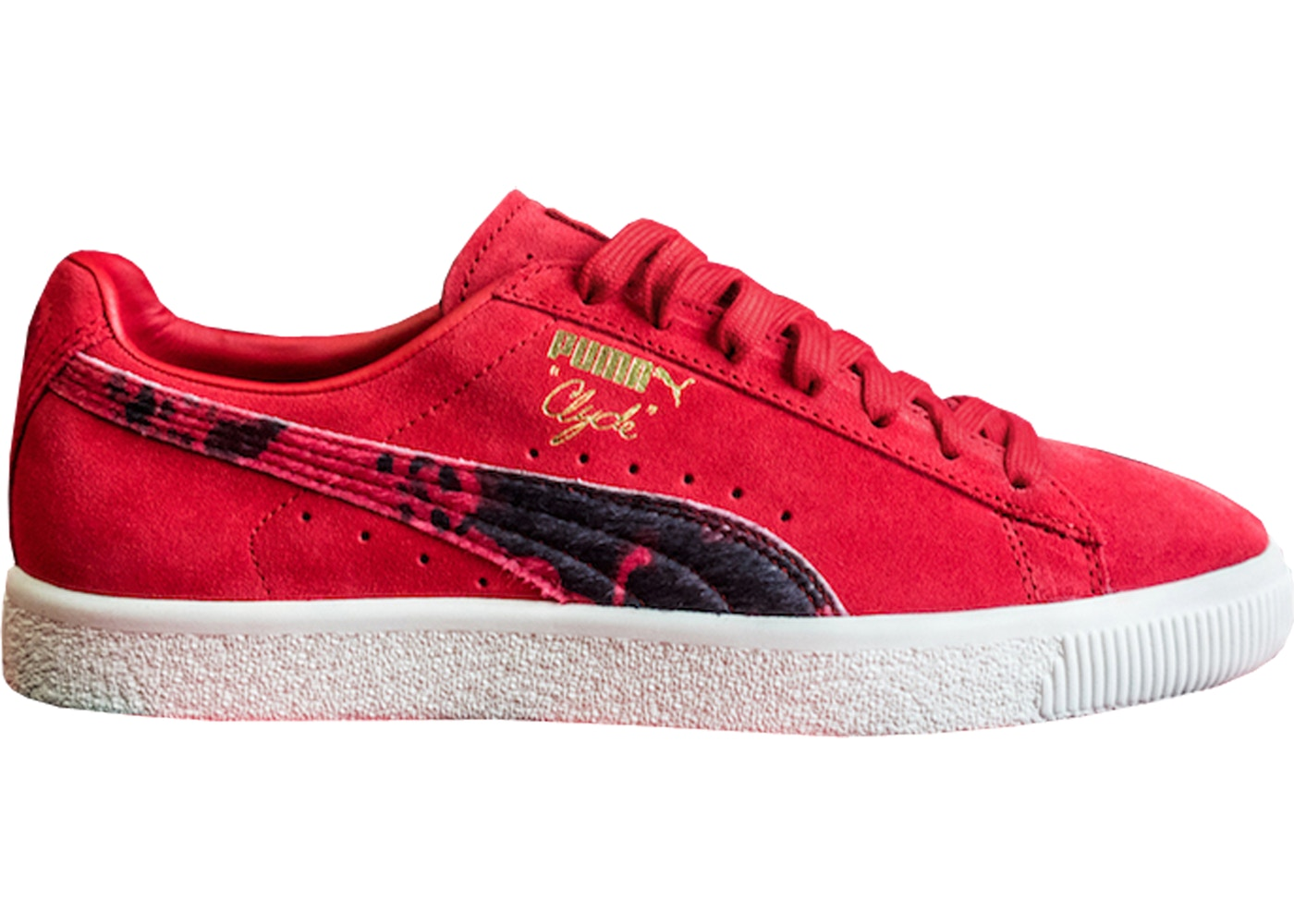 new arrival 68489 a4803 Puma Clyde Packer Shoes Cow Suit Red