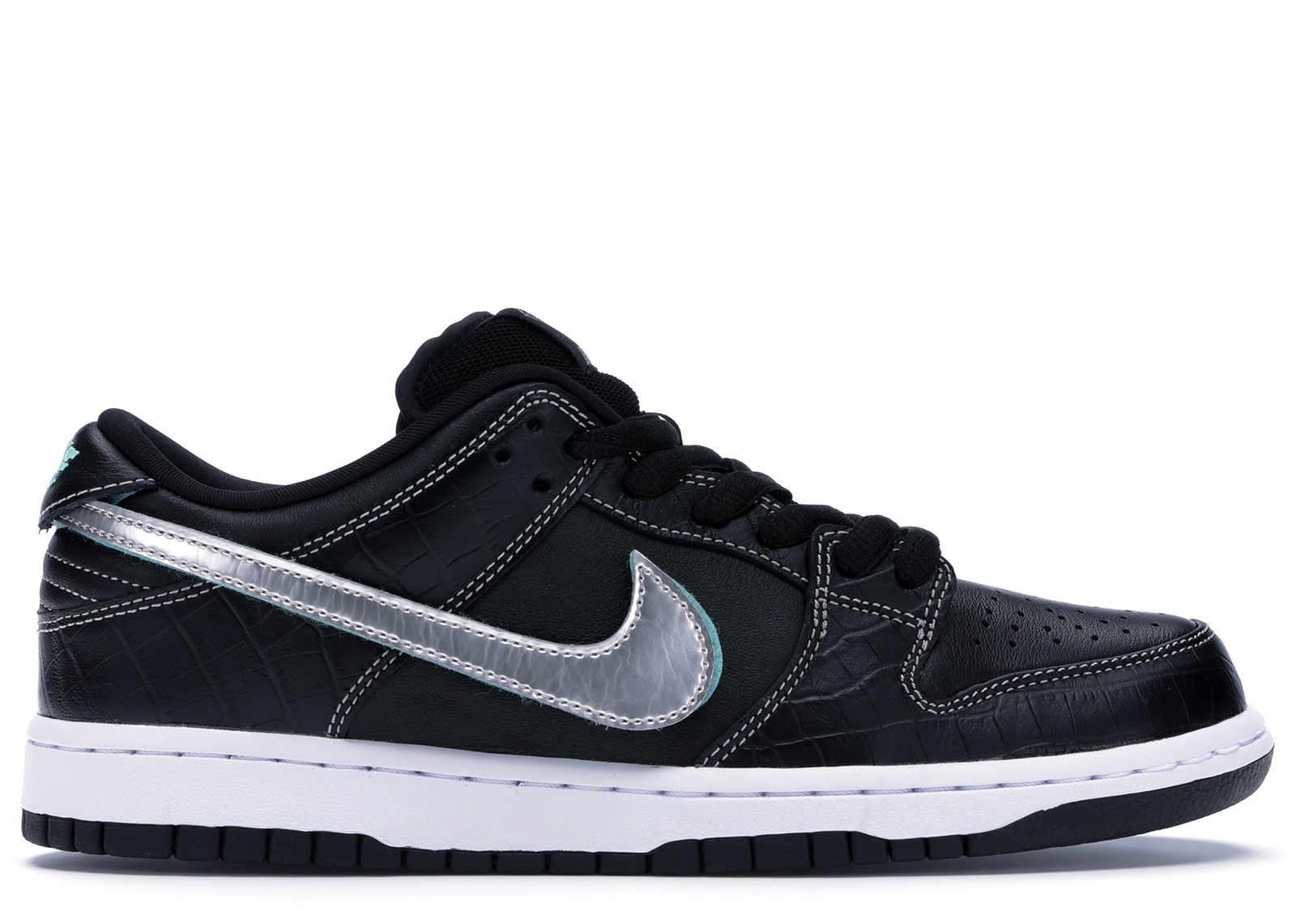 Nike SB Dunk Low Diamond Supply Co