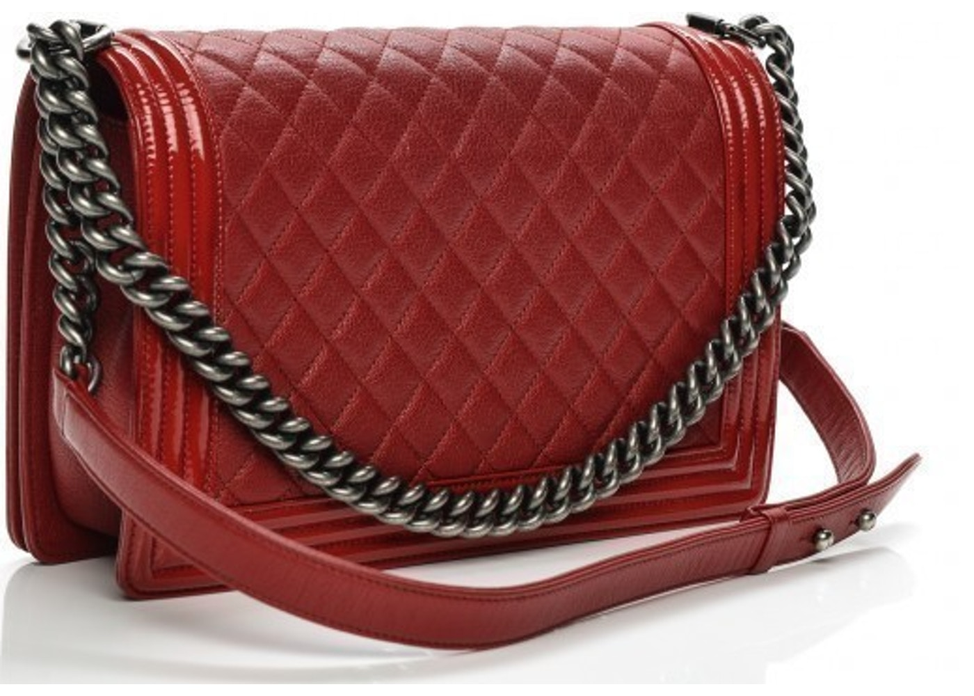 aaa1f5661e2e Chanel Boy Flap Quilted Patent New Medium Red