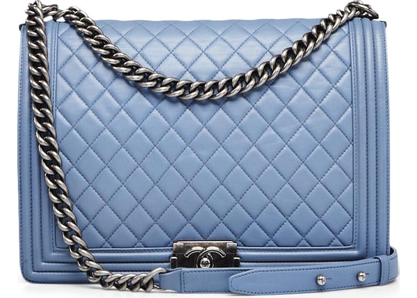 21795b1b54ed51 Chanel Boy Flap Quilted Diamond Large Blue