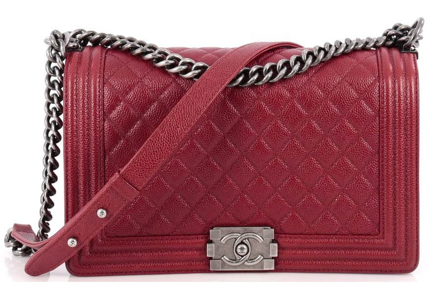 Chanel Boy Flap Quilted Diamond New Medium Red