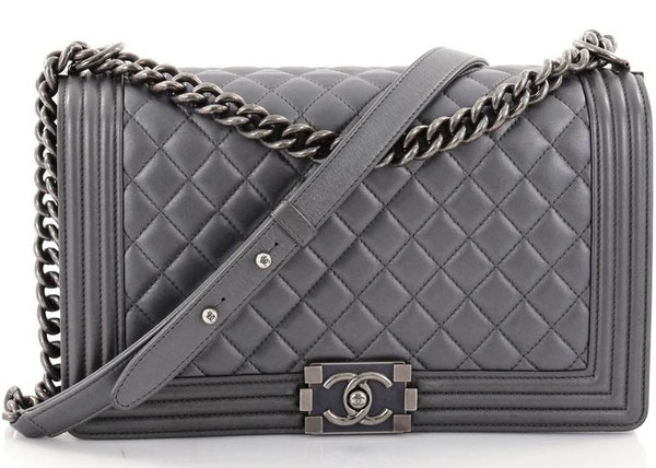 509cbae6cce9e1 Chanel Boy Flap Diamond Quilted New Medium Grey