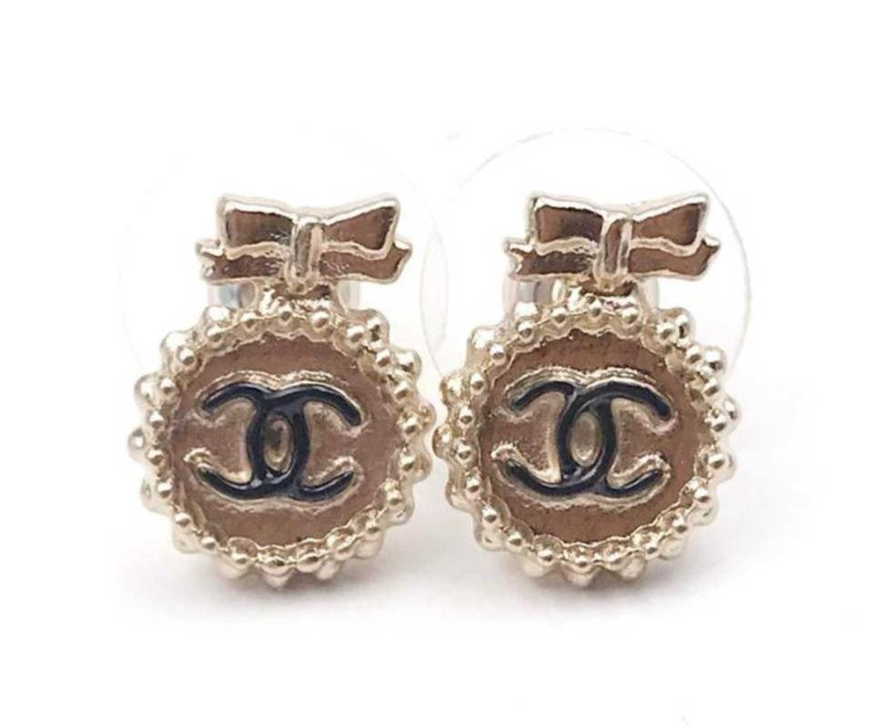 Chanel Round Button Bow Earrings Black/Gold