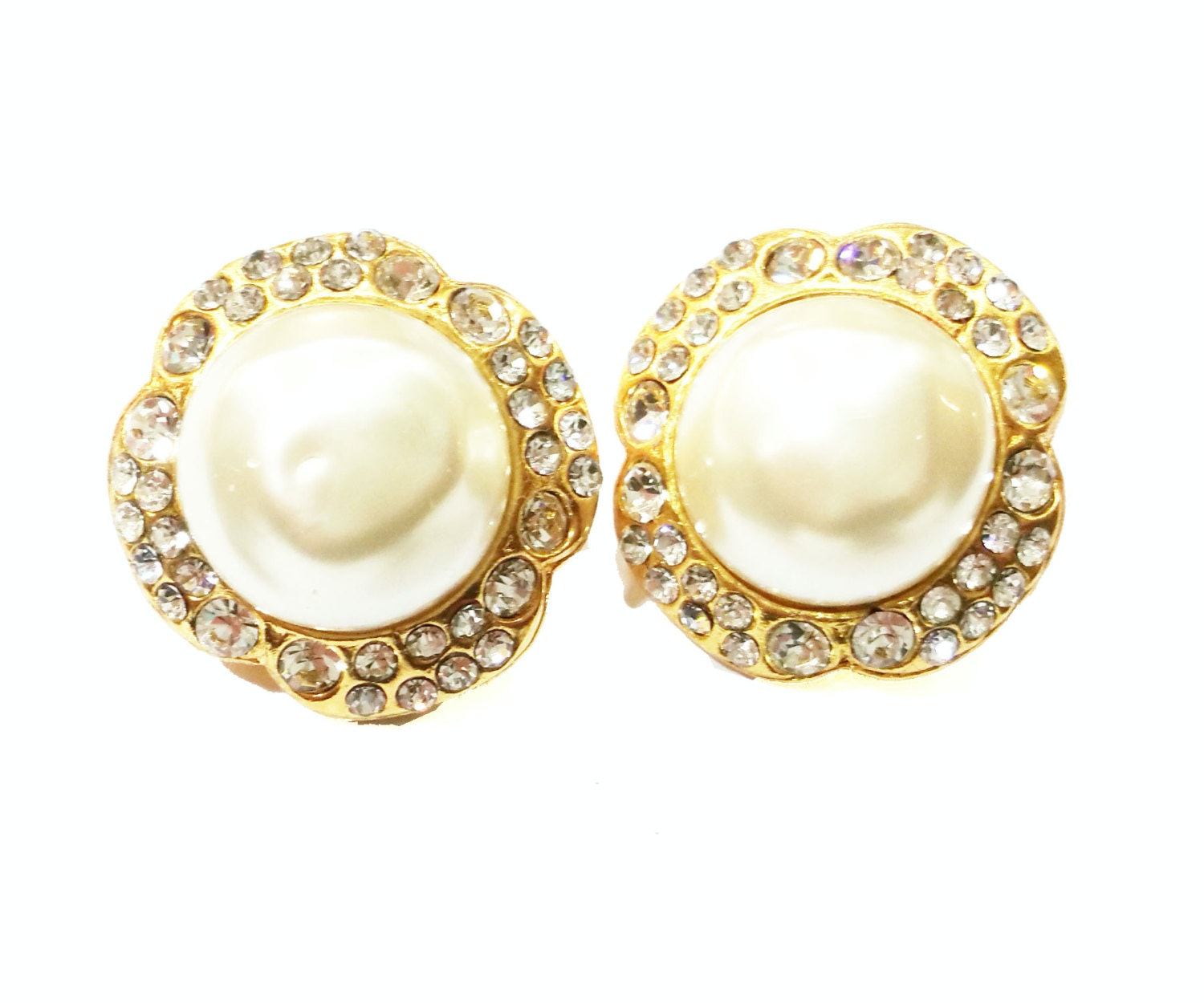 Chanel Vintage Faux Pearl Clip On Earrings Gold Plated Gold/Pearl