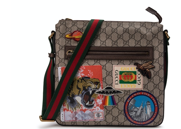 246f84d2 Gucci Courrier Messenger GG Supreme Brown