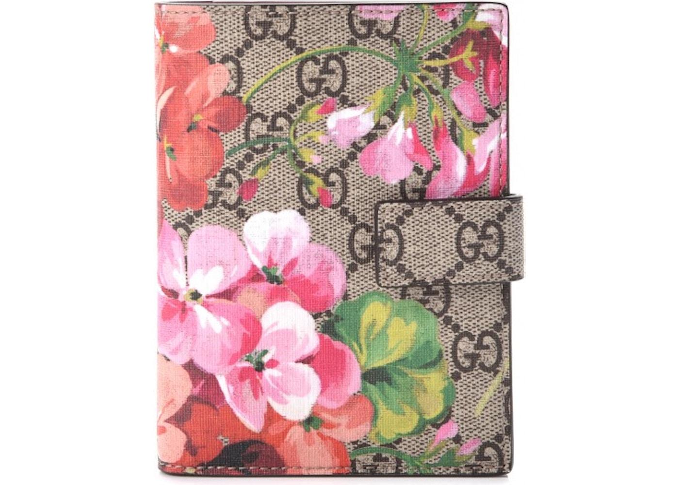new style d71d5 ef557 Gucci Passport Case Monogram GG Supreme Blooms Print Antique Rose