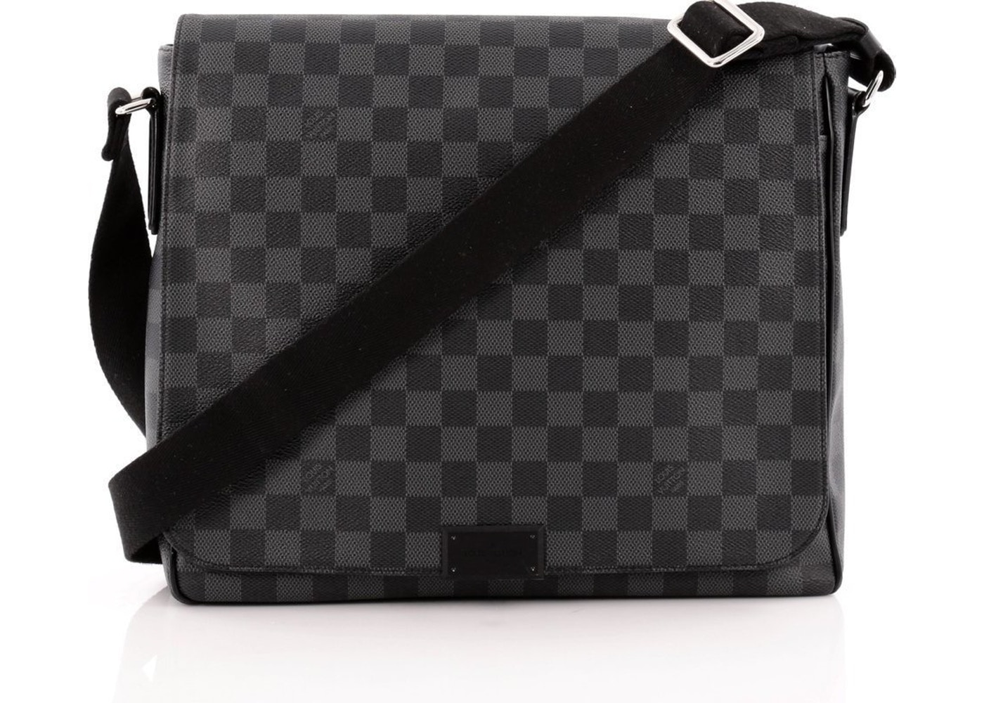 67374ba33d01 Sell. or Ask. View All Bids. Louis Vuitton District Damier Graphite MM Black
