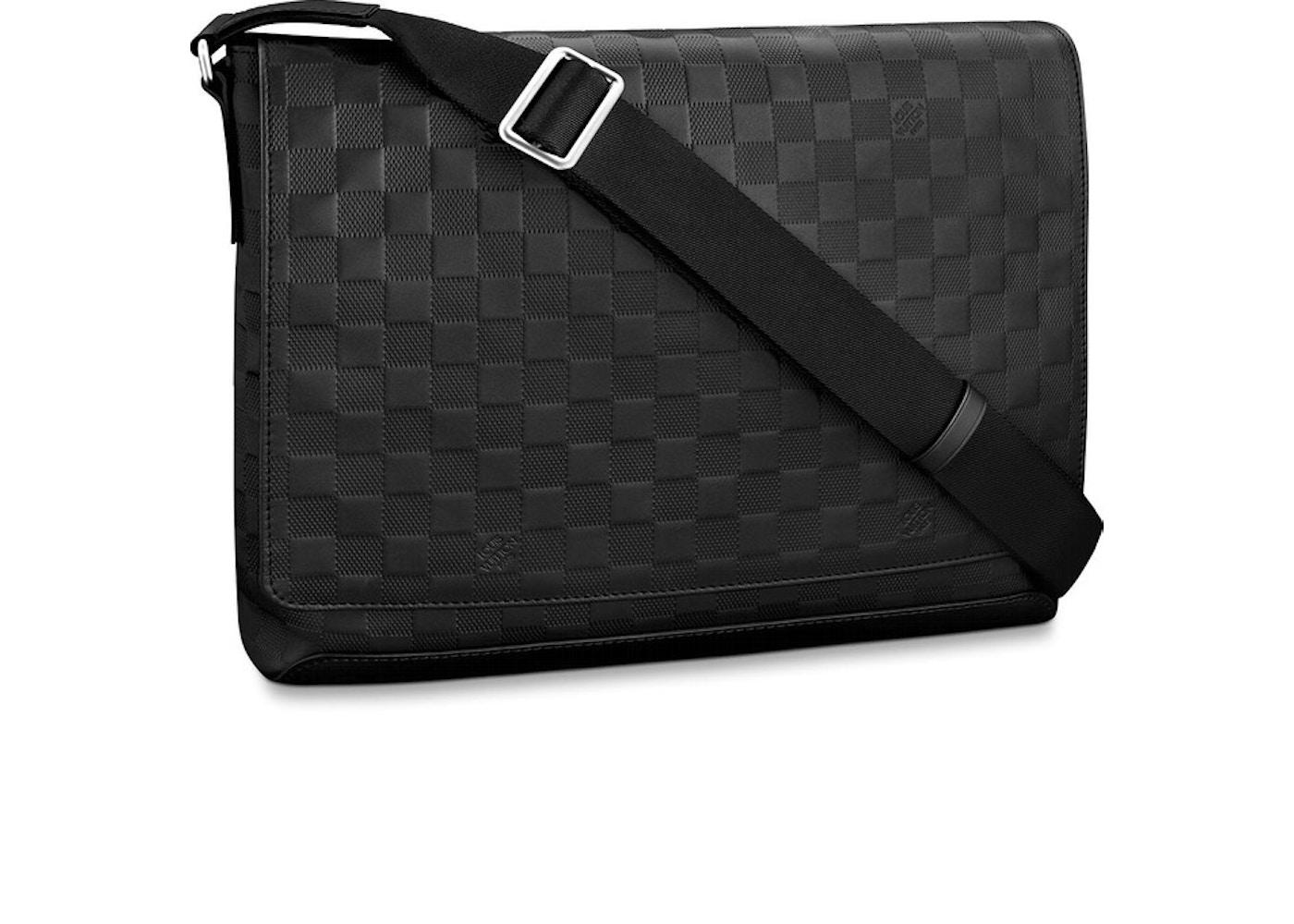 b1c02b7d1 Louis Vuitton District Messenger Bag Damier Infini MM Onyx. Damier Infini MM  Onyx