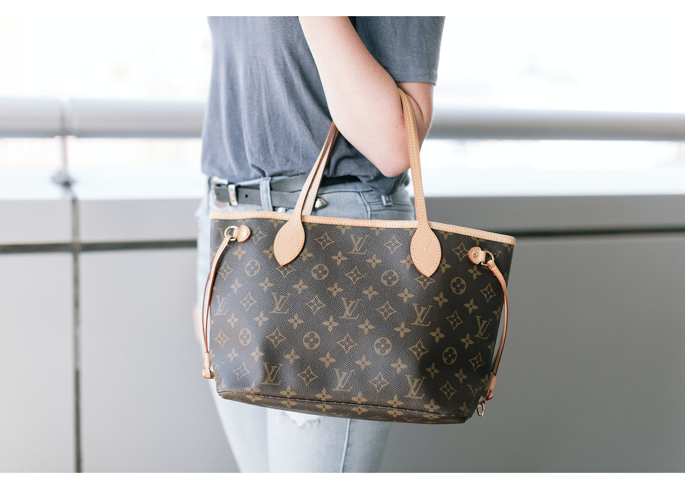 5162cd2a216 Louis Vuitton Neverfull Monogram (Without Pouch) PM Beige Lining