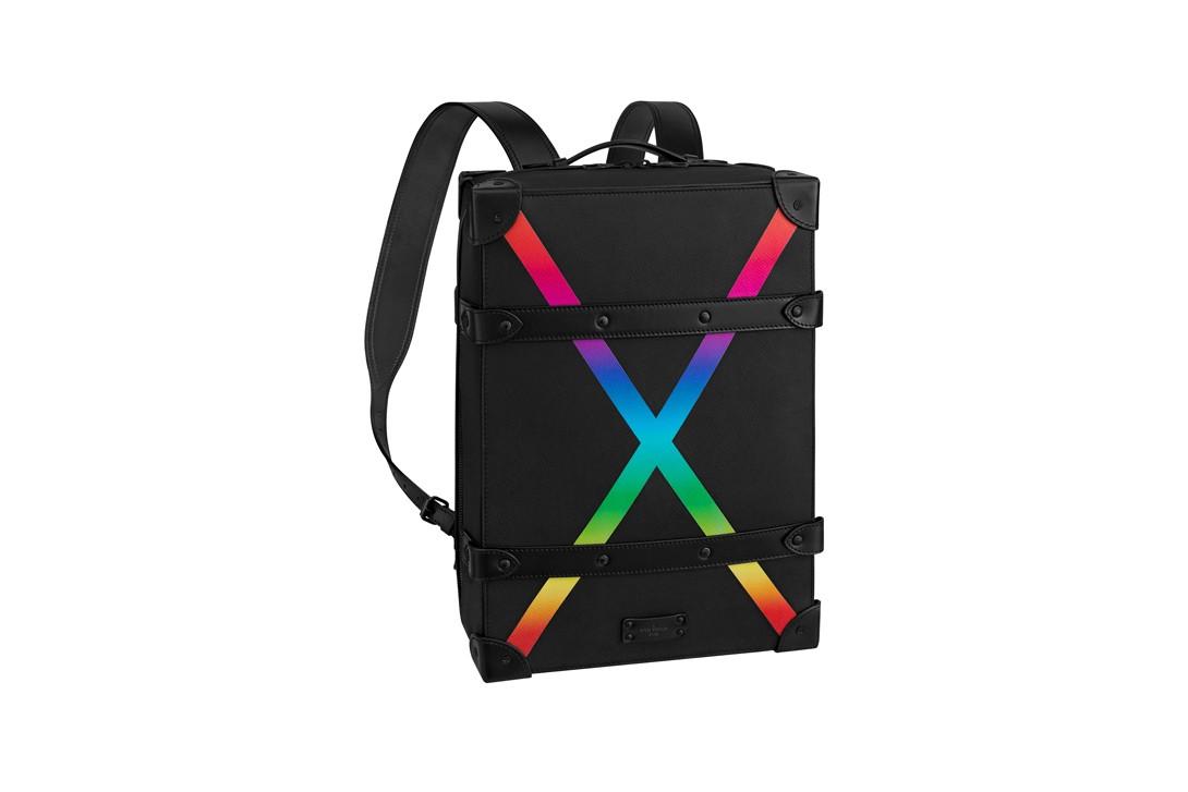 93c06e92a9 Soft Trunk Backpack Taiga Pm Black/Rainbow