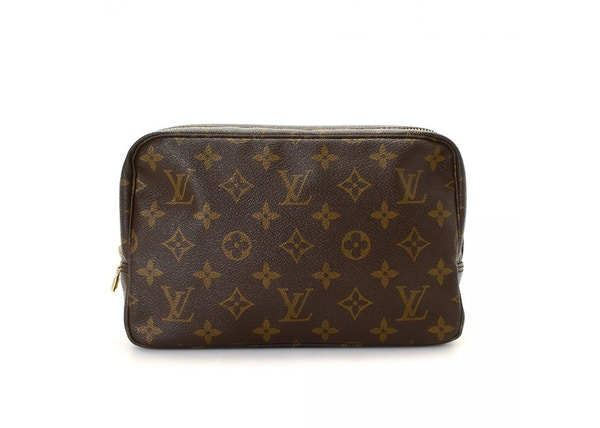 26116dddce7 Louis Vuitton Trousse Toiletry Bag Monogram 23 Brown