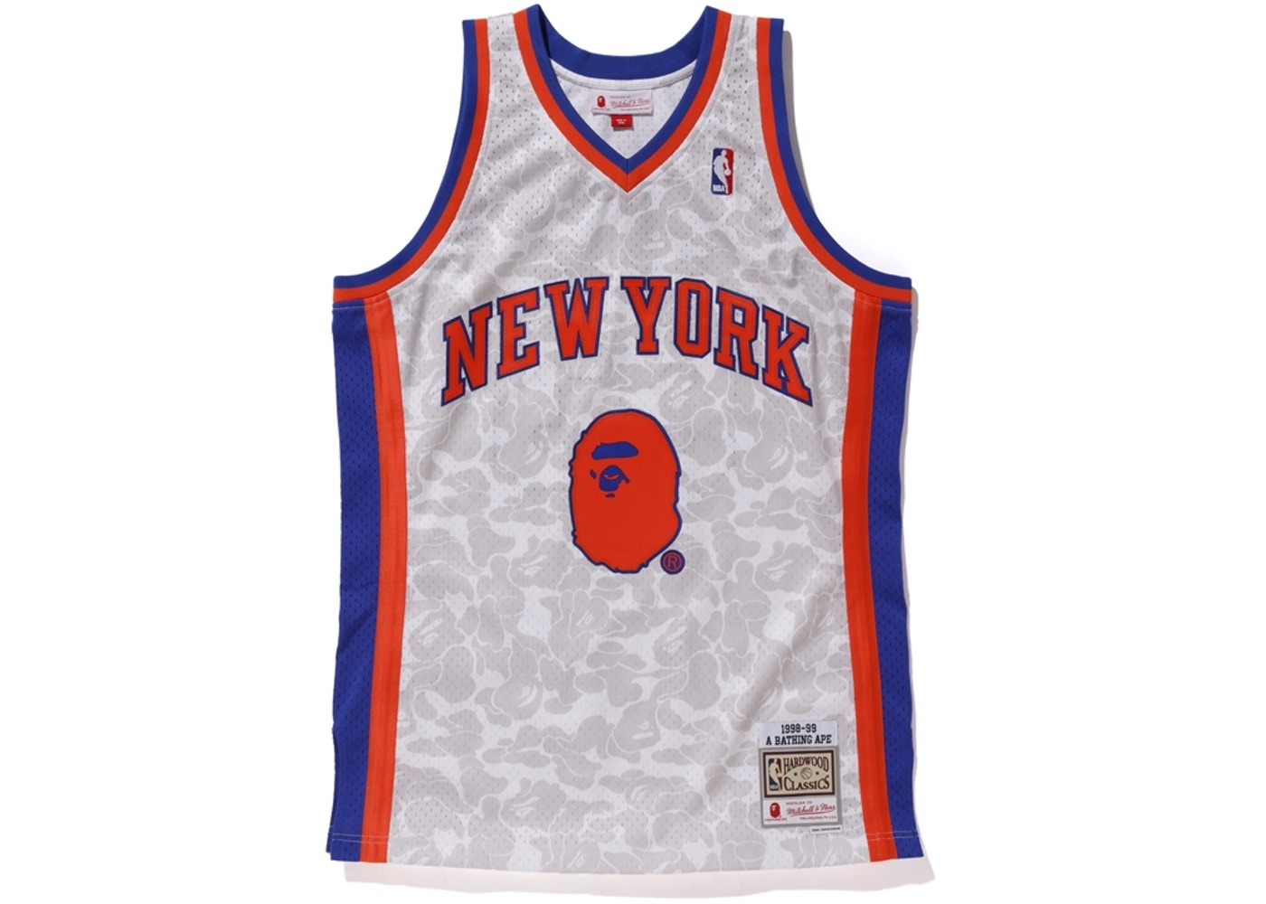 buy online 426d4 f27c4 BAPE x Mitchell & Ness Knicks ABC Basketball Swingman Jersey White