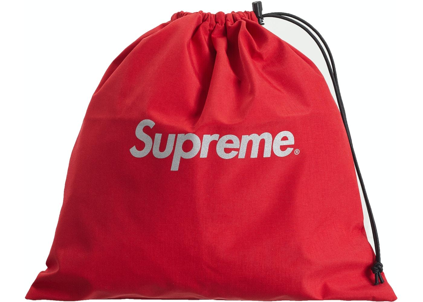 a268c0939b40 Supreme GORE-TEX Poncho Red - SS19